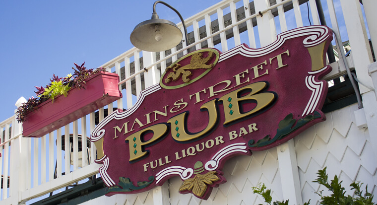 Visit Mainstreet Pub & Restaurant. Located in the Historic District of Downtown Melbourne, FL, Mainstreet Pub & Restaurant has Local, Fresh Food & Drinks.